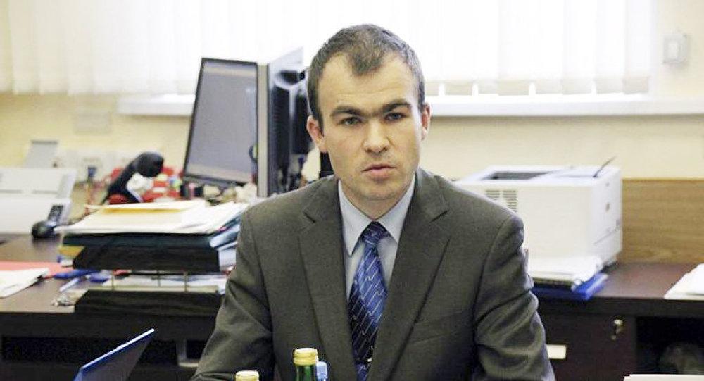 [:ru]Бобров: миграционные законы РФ нужно упрощать, а не ужесточать[:]