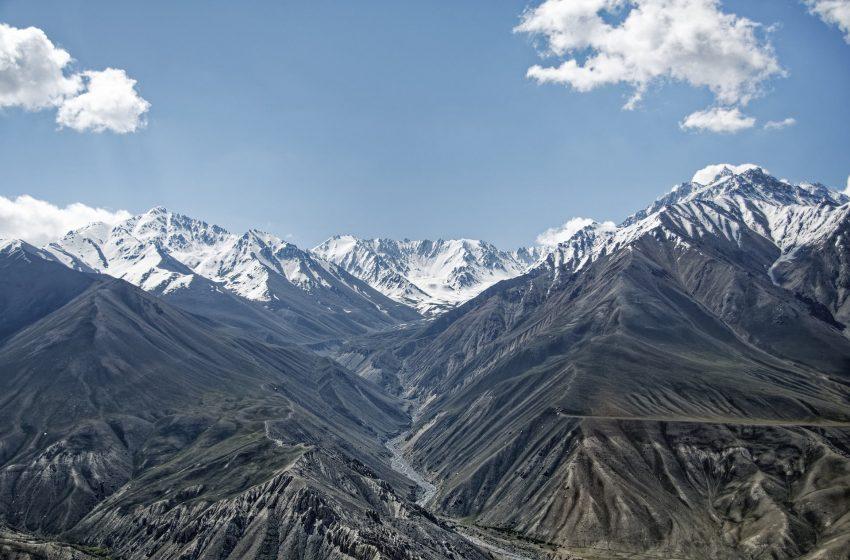 Таджикистанцы стали меньше выезжать в трудовую миграцию.