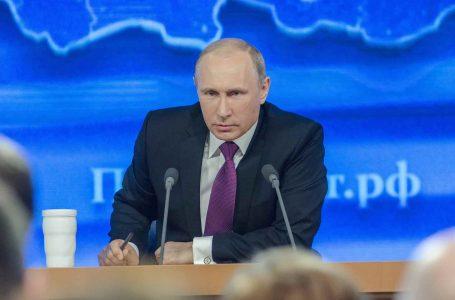 Кыргызстанцам в России напомнили об указе Путина.