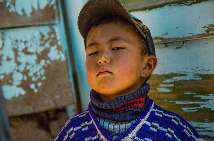 Как оформить опеку над детьми трудящихся мигрантов в КР?