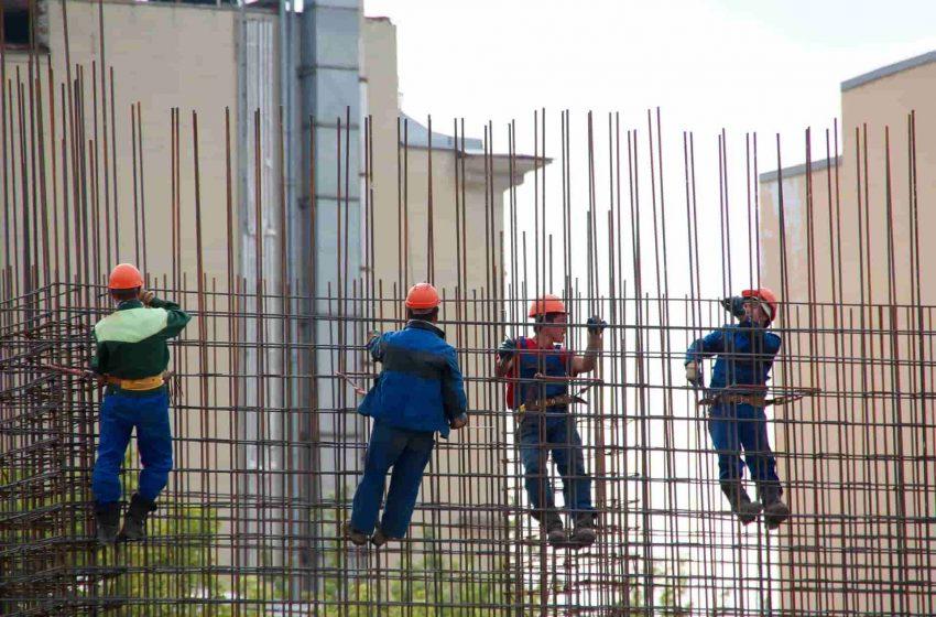 В РФ планируют упростить въезд трудовых мигрантов.