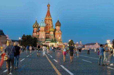 МВД позволило вернуться в Россию 300 тысячам граждан Узбекистана и Таджикистана.